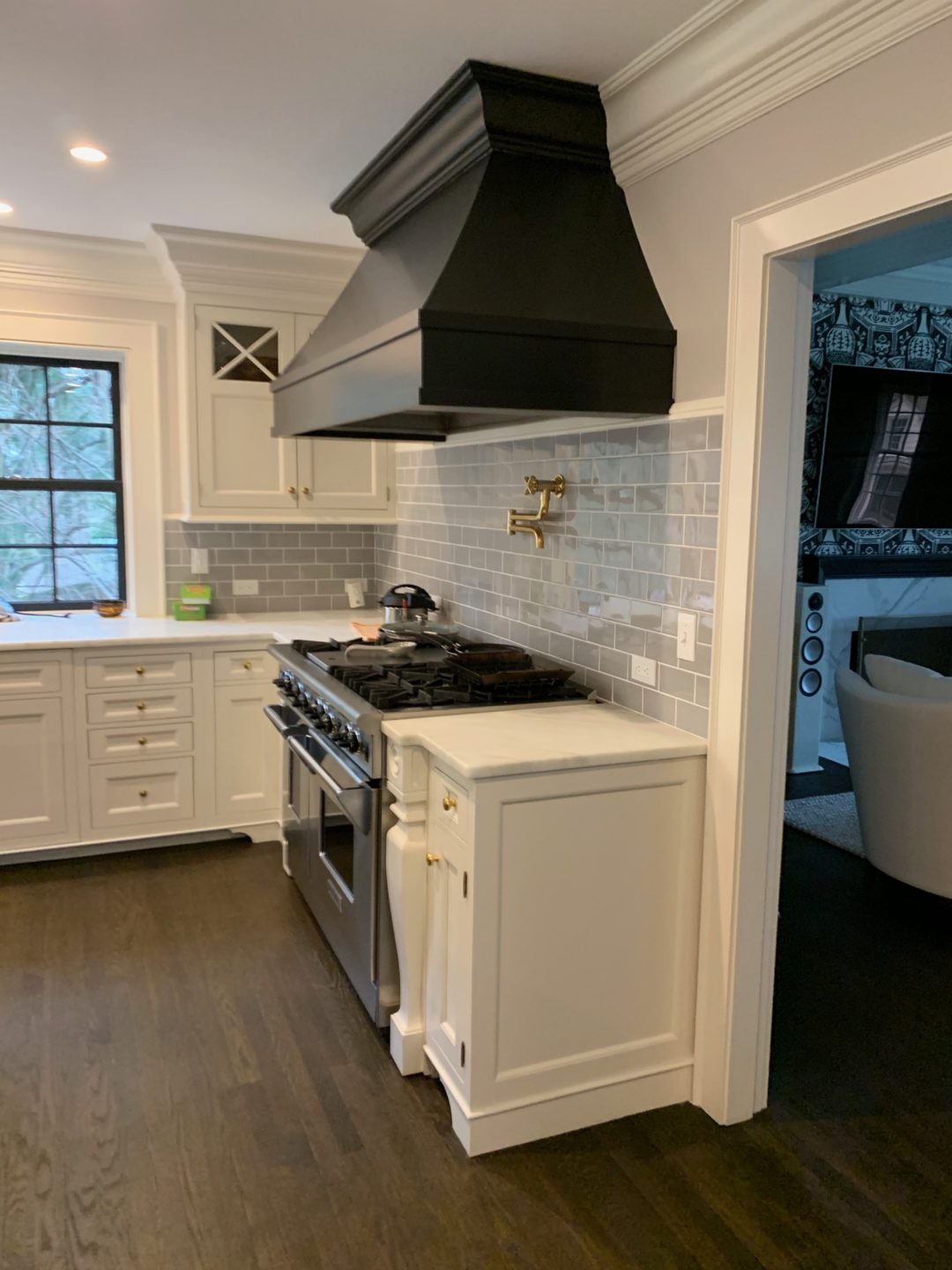 hood-and-backsplash-modification-before-by-liz-caan-interior-design-COUNTRY-Renovation-and-decoration-for-a-young-family