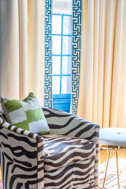living-room-by-liz-caan-interior-design-Back-Bay