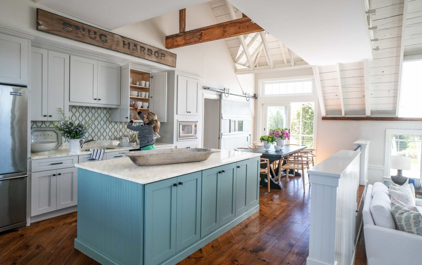 kitchen-by-liz-caan-interior-design-falmouth-barn