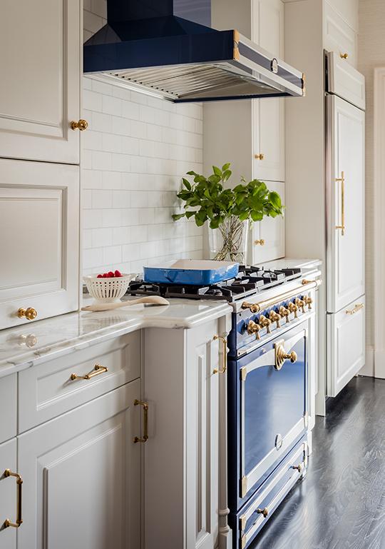 blue-kitchen-range-liz-caan